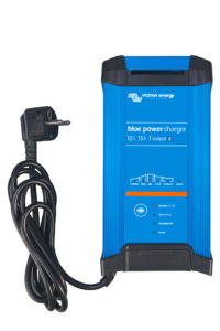 Blue Smart IP22 Charger 12V 15A